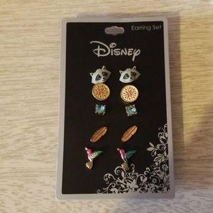 Disney pocahontas earring set!